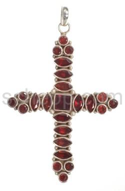 Anhänger Kreuz, Granat mit Facettenschliff