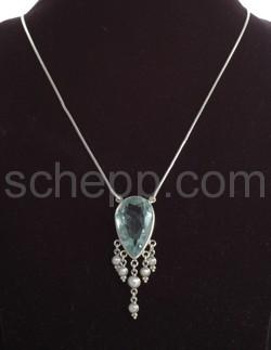 Anhäger, synthetischer Aquamarin und Perlen, mit Schlangenkette