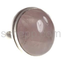 Ring mit großem Rosenquarz, rund