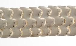 Gliederarmband aus wellenförmigen Silberplatten