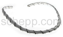 Halsspange, gedreht mit Perlenoptik