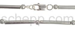 Röhrchenkette mit Silberkugeln