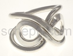 Ring aus Silberdraht, mit Knoten