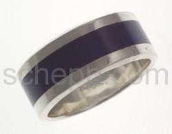 Ring mit blauem Streifen