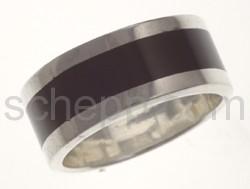 Ring mit schwarzem Streifen