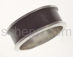 Ring, mit schwarzem Streifen