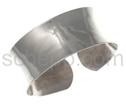 Bangle, smooth, wide