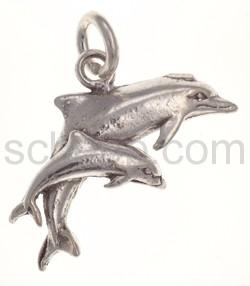 Anhänger, großer und kleiner Delfin