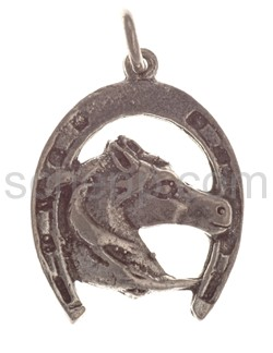 Pendant, horse shoe with horse\s head