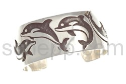 Armspange Delfine (Hopi-Style), breit