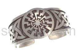 Armspange mit keltischem Knotenmuster und Sonnen-Motiv