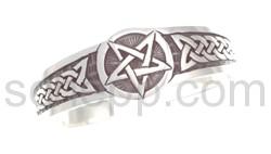 Armspange mit Stern und keltischem Knotenmuster