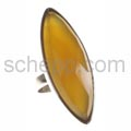 Ring, navetteförmiger Karneol mit Facettenschliff