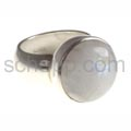 Ring with moonstone, round