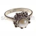 Ring with pearl, small