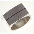 Ring, eckig mit schwarzer Linie, groß