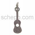 Anhänger, Gitarre mit Ornamenten